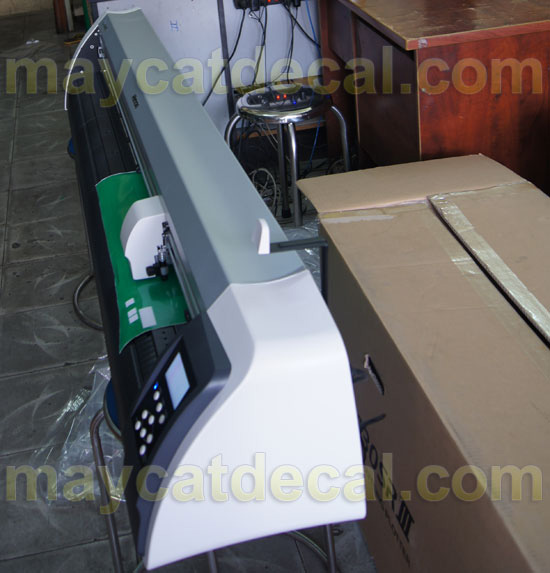 may-cat-be-tem-nhan-mimaki-cg-130sriii-2
